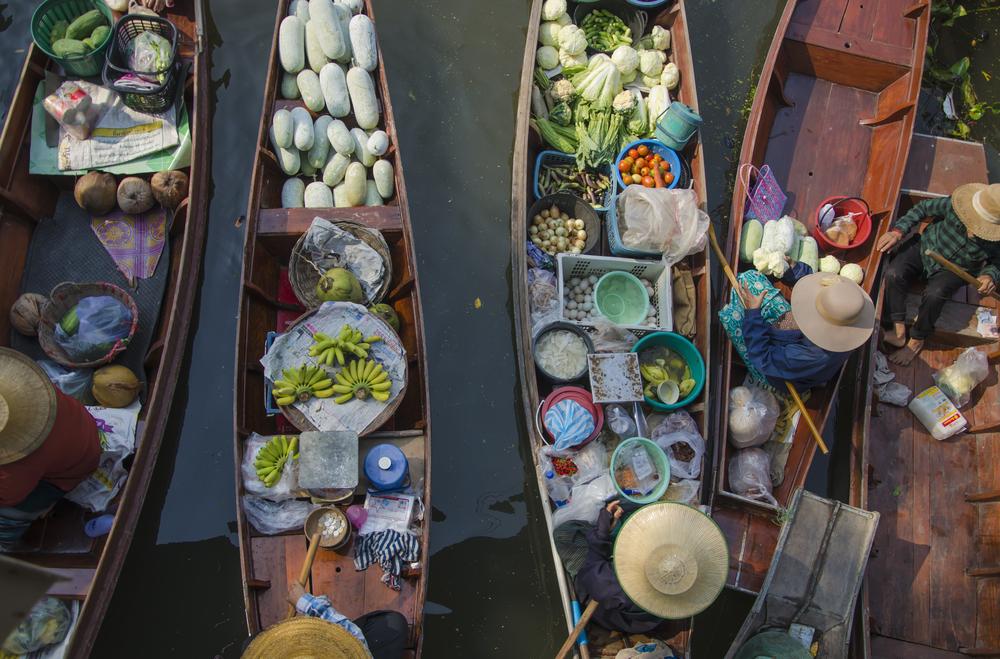 thakha Floating Market _384250552