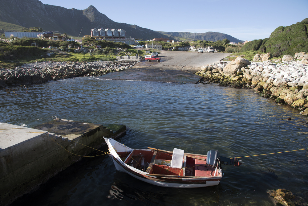 coastal town of Kleinmond _416285557