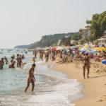 sea-in-the-bulgarian-town-obzor_353228855