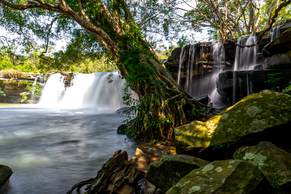 wang-yai-waterfall-in-sisaket_481017631