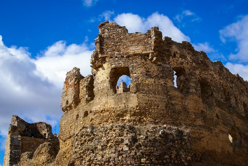 castle-in-laguna-de-negrillos_483354934