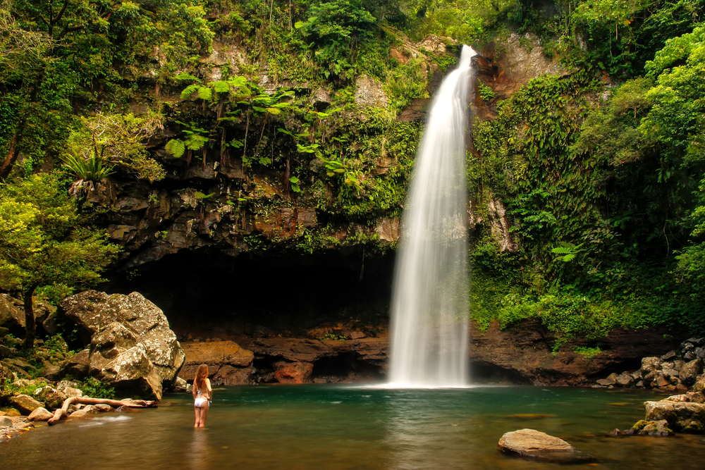 tavoro-waterfalls-in-bouma-national-heritage-park-on-taveuni-island_525872302