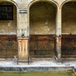 ancient roman bath museum, West England_320169158