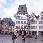 Market Square-Steipe in Trier, Germany_587278784