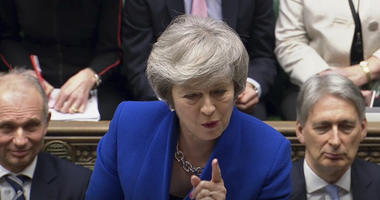 May's govt faces no-confidence vote after huge Brexit defeat