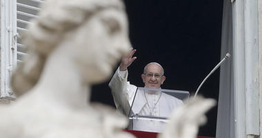 Amid wall debate, pope says fear of migration makes us crazy