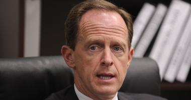 Sen Pat Toomey Finds Green New Deal Ridiculous