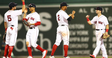 Brock Holt's Pinch Double Lifts Red Sox Over Mets 5-3