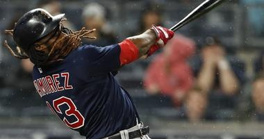 Red Sox Rebound For 5-4 Win, Yanks' 2nd Loss In 19 Games