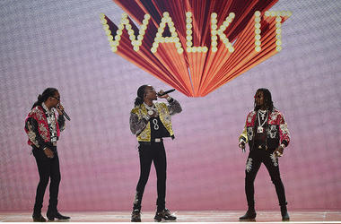 "Migos performs ""Walk It Talk It"" at the 2018 BET Awards"
