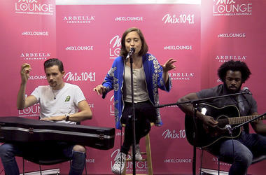 Alice Merton Performance