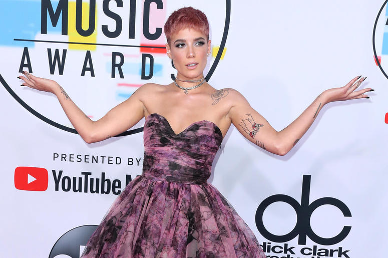 Halsey at the 2018 American Music Awards