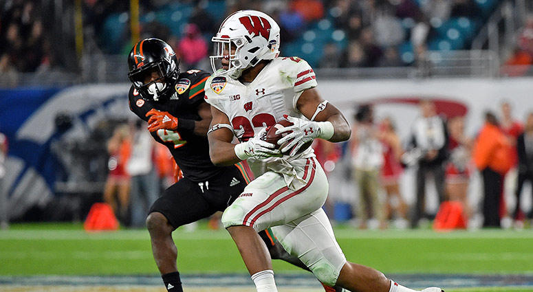 Wisconsin Badgers running back Jonathan Taylor