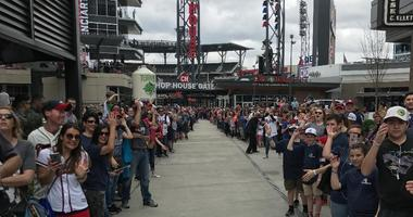 10-Minute Tailgate Tour, Ep. 110: Free Braves party & Big ESPN Gameday competition