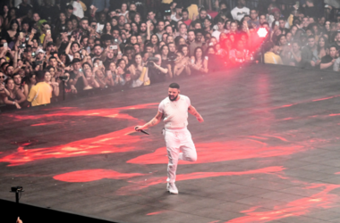 Drake performs at the AmericanAirlines Arena in Miami, Florida on November 13