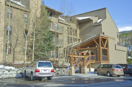 Snowdance Manor Condominiums