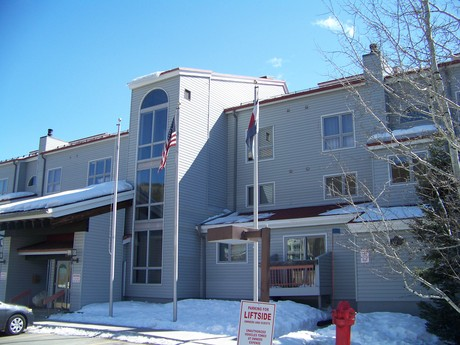 Liftside Condos at Mountain House Village by Key to Rockies