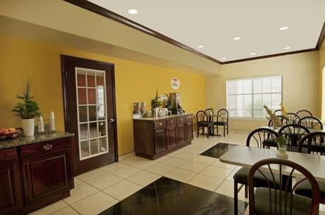 Texas Inn Suites La Plaza Mall Airport