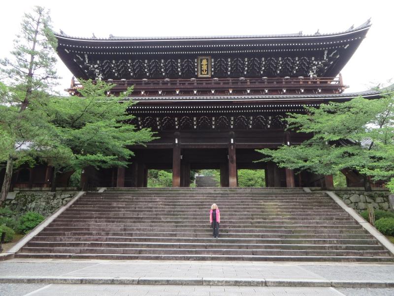 https://s3.amazonaws.com/s3bucket01.elvenware.com/japan/2013-06-20/IMG_0127-small.jpg