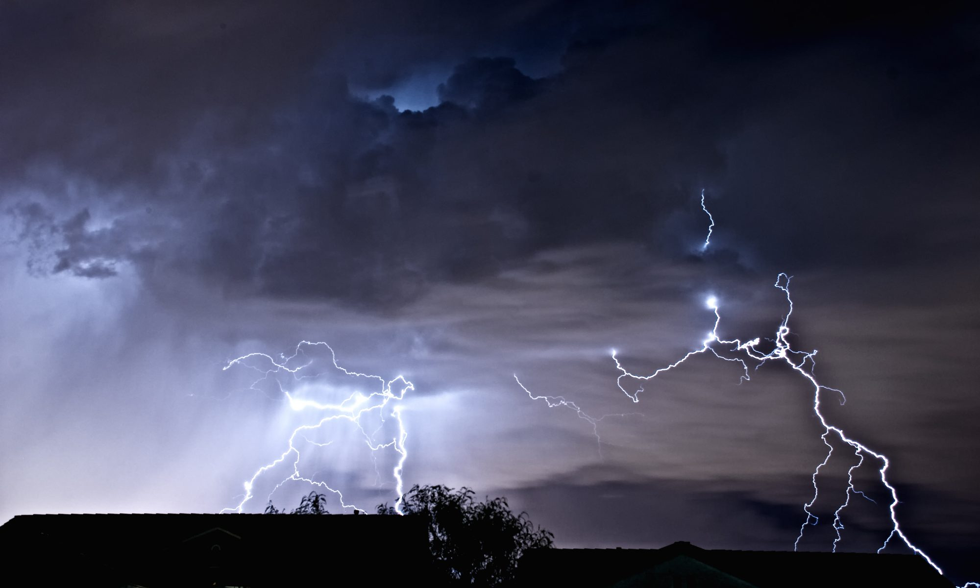 amped-up-By Thomas Dwyer from Henderson (Las Vegas), Nevada, USA (Las Vegas Lightning Storm) [CC BY 2.0 (https://creativecommons.org/licenses/by/2.0)], via Wikimedia Commons