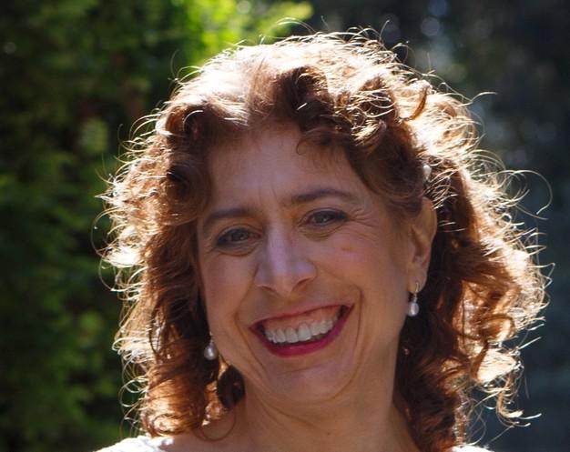 Laura Sturza '78