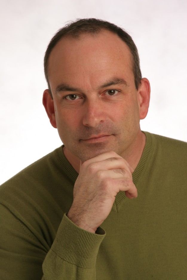 Dennis Riley