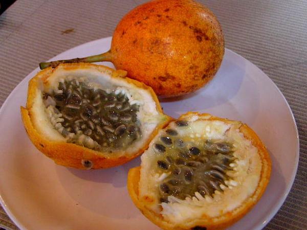 Sweet Granadilla (Passiflora Ligularis) https://www.sagebud.com/sweet-granadilla-passiflora-ligularis