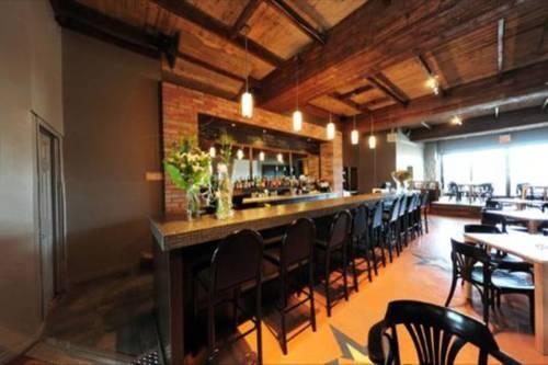 Cafe du clocher alma salle a manger small