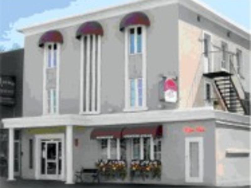 Auberge centre ville saguenay  lac saint jean big