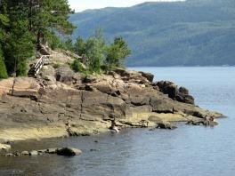 Sentier du quai sainte rose du nord saguenay  lac saint jean small