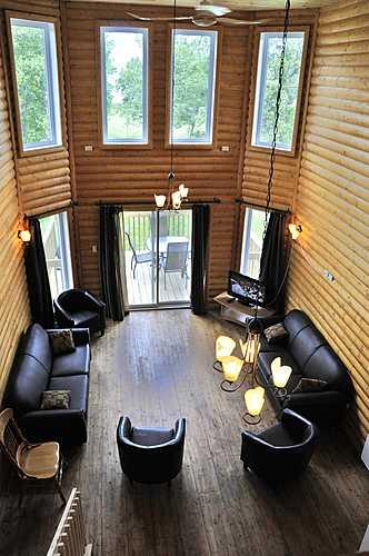 Tr s grand condo mezzanine   chalets et spa lac st jean   tourisme saguenay lac st jean small