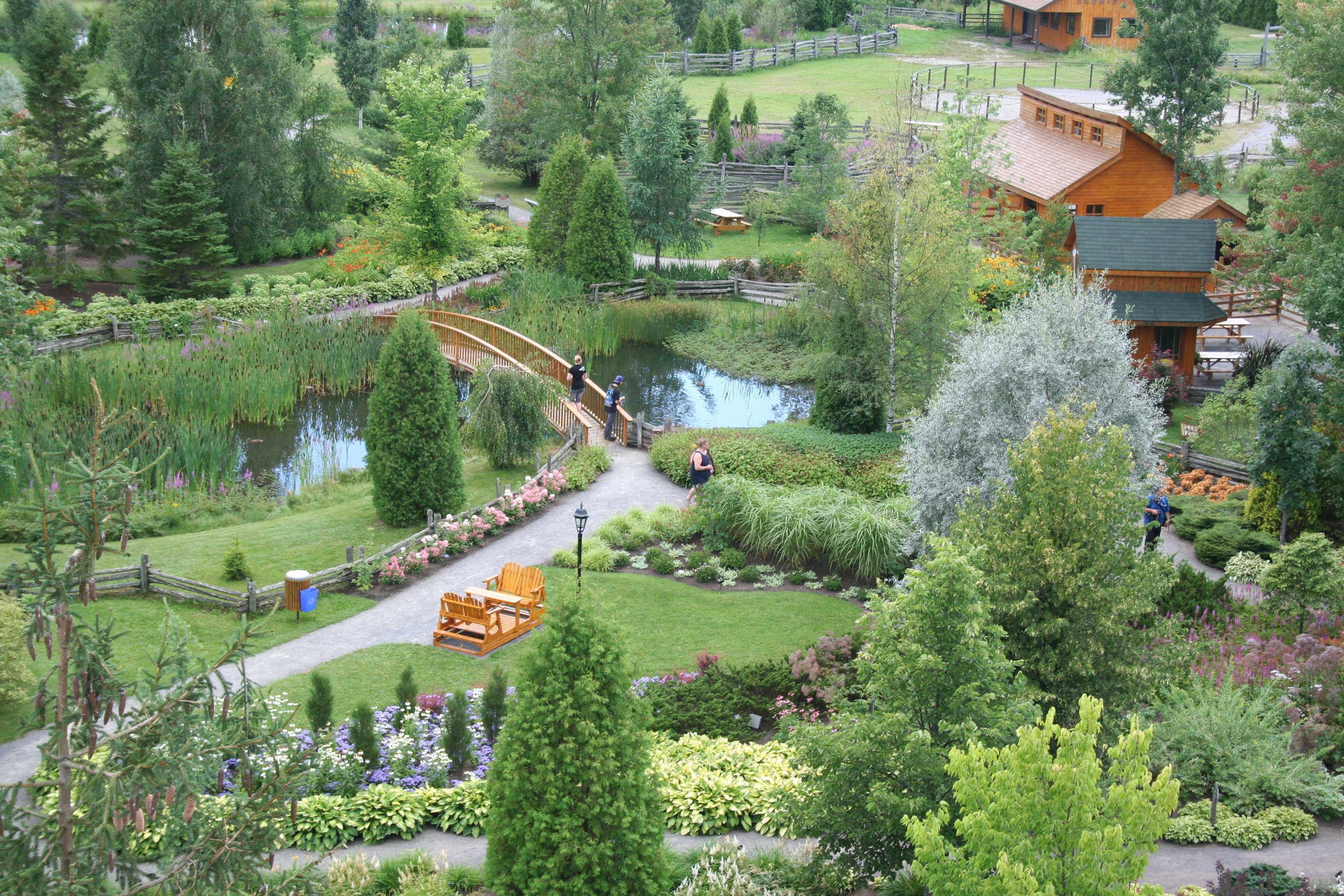 Tourisme saguenay lac st jean for Jardin scullion
