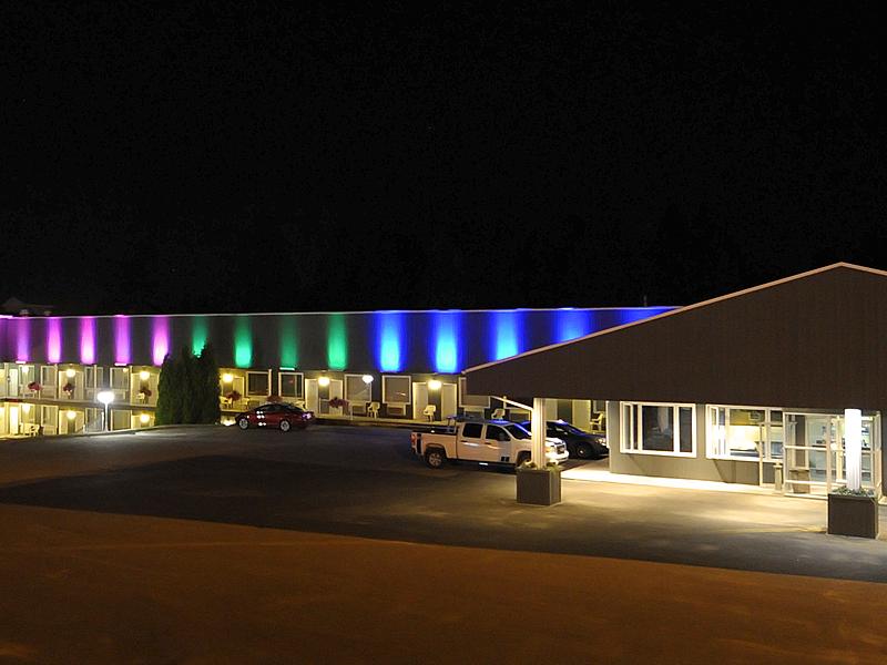 Hotel motel des cascades big