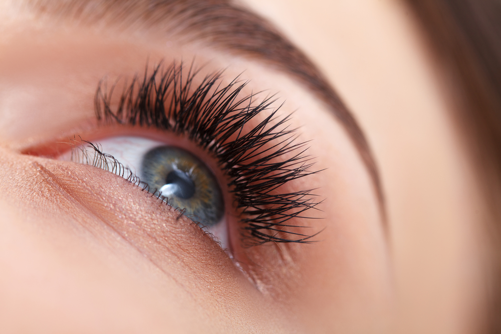 Wake Up to Full, Thick Lashes with Eyelash Extensions