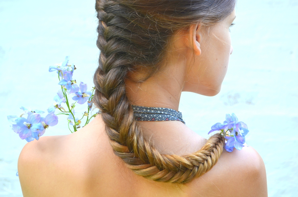 The Perfect Updo For Your Upcoming Spring Events