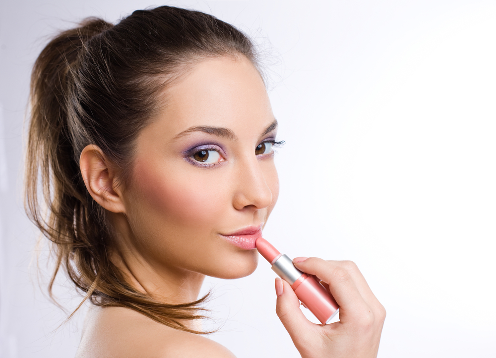 Beat the Heat with These Summer Makeup Tips