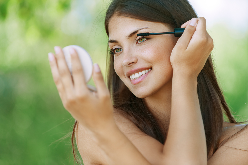 Summer Makeup Tips to Beat the Heat