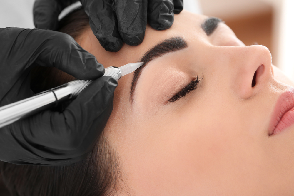 Get Gorgeous, Well-Defined Lashes and Brows with Tinting