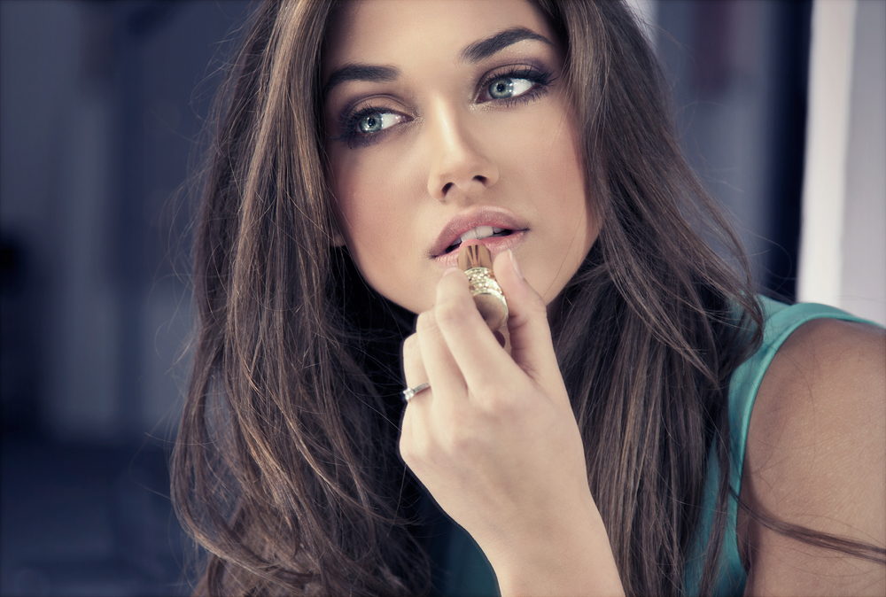 Six Tips for Flawless Summer Makeup