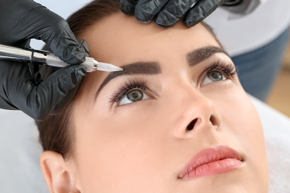 Enhance Your Eyes With Lash And Brow Tinting
