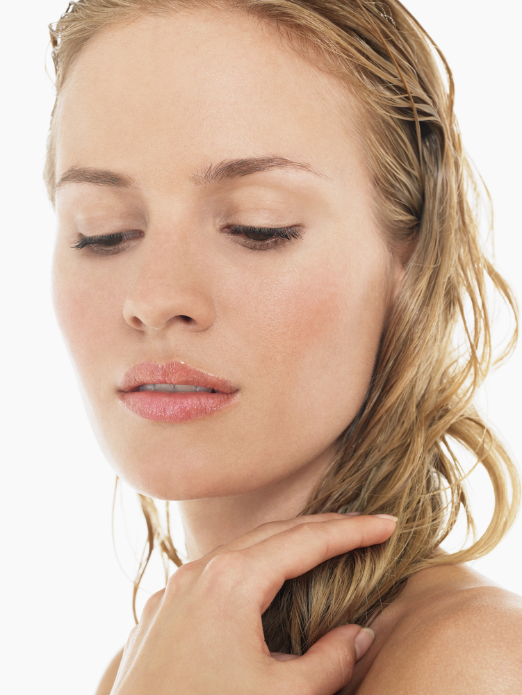 4 Steps to Creating a Gorgeous Wet Hair Look - D'Ametri's Salon