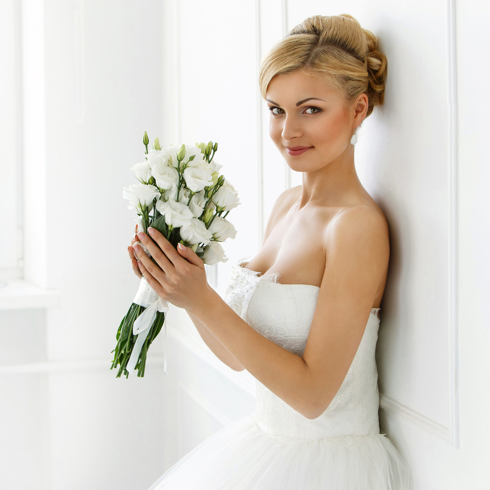 Stunning Looks On Your Wedding Day with Illustrated Beauty