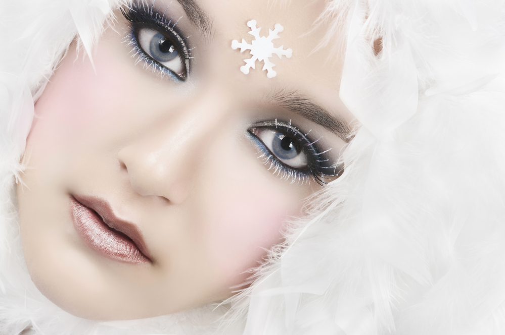 HOLIDAY MAKEUP STYLES FOR ANY OCCASION