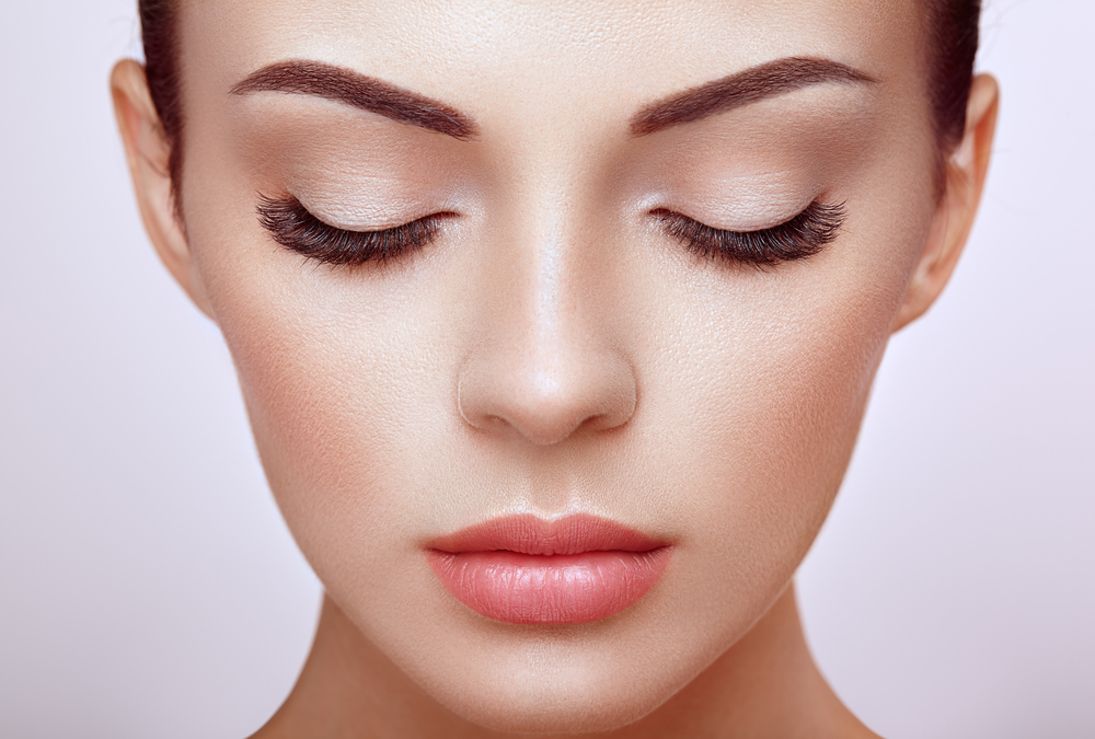 EYELASH EXTENSIONS: WHAT YOU SHOULD KNOW