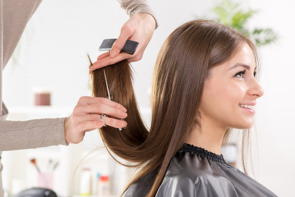 How to Deal with Awkward Hair When You Miss a Haircut