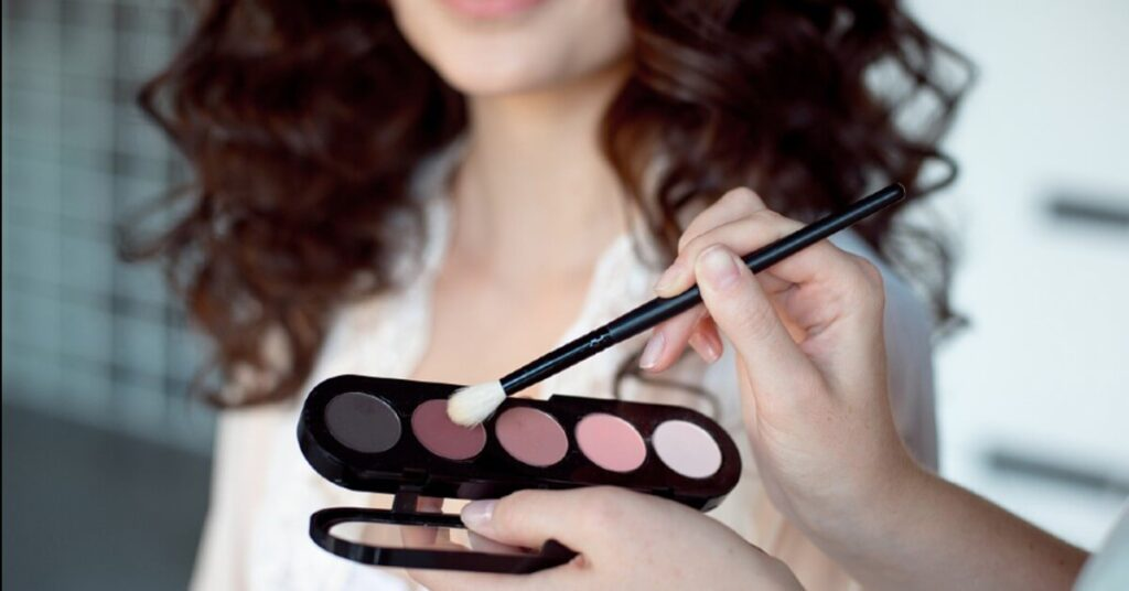 What to Expect When You Visit a Professional Makeup Artist