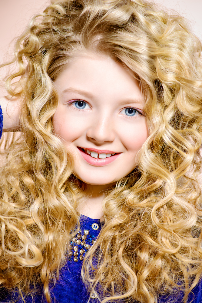 Sweet Autumn Hairstyles for Little Girls