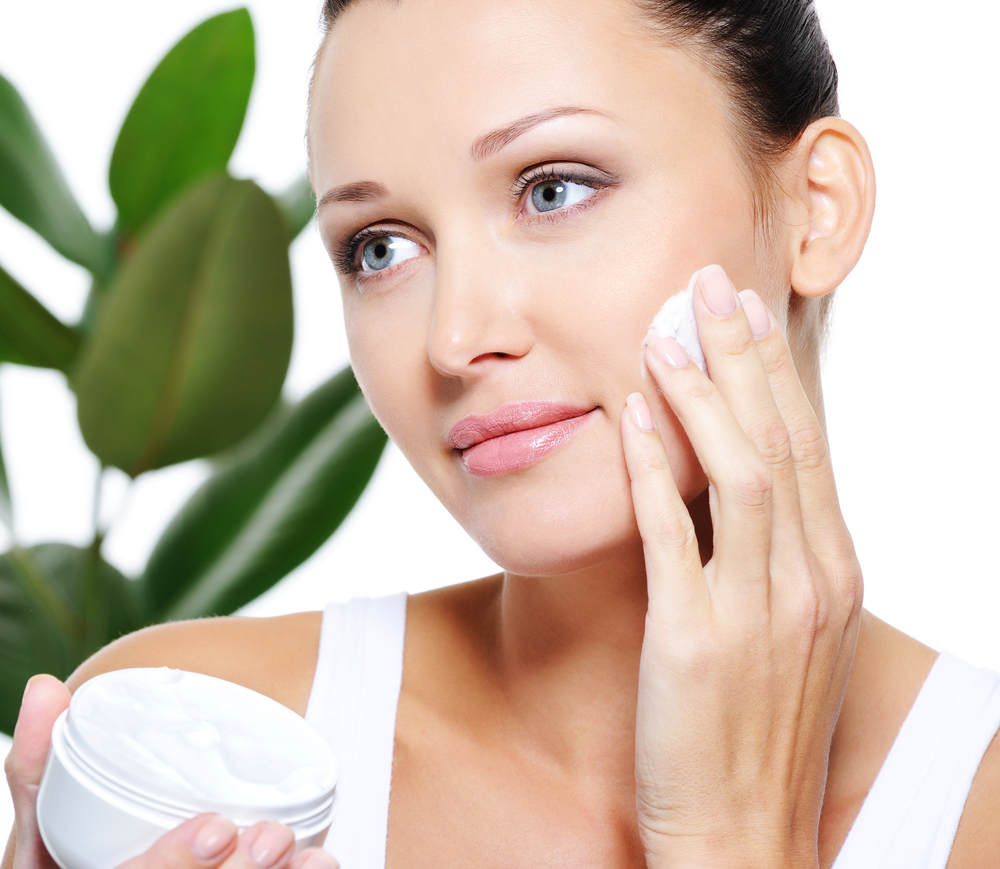 """Avoid """"maskne"""" With Regular Facials And Smart Home Tips"""