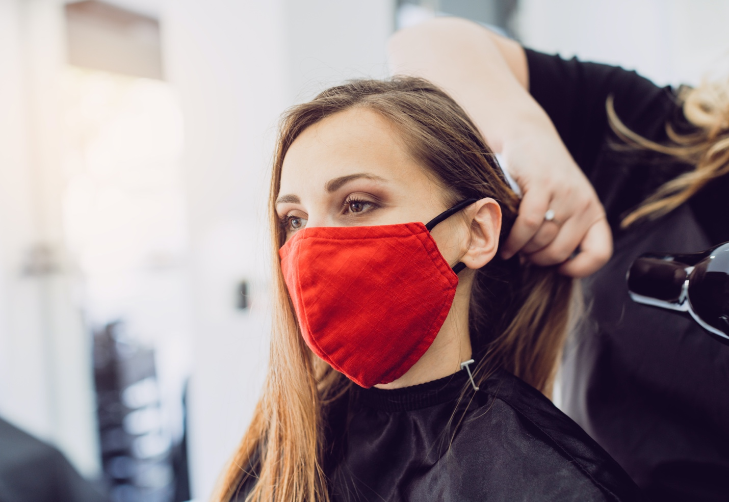 Hairstyles To Wear With Your Face Mask