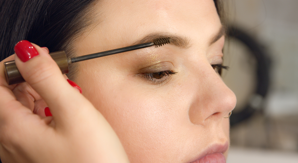 Get Beautiful Eyes with Lash and Brow Tinting